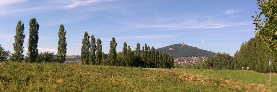 Nitra, popri rieke až ku divadlu